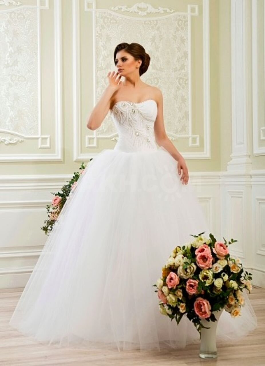 вариант картинки свадебного платья не пышного цветения место