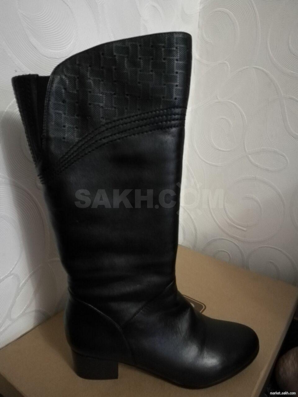 d288b785f Новые сапоги зимние черные 39 размера,кожаные, высота голенища 36 см,  обхват голенища 36 см, высота каблука 4 см.Торг.