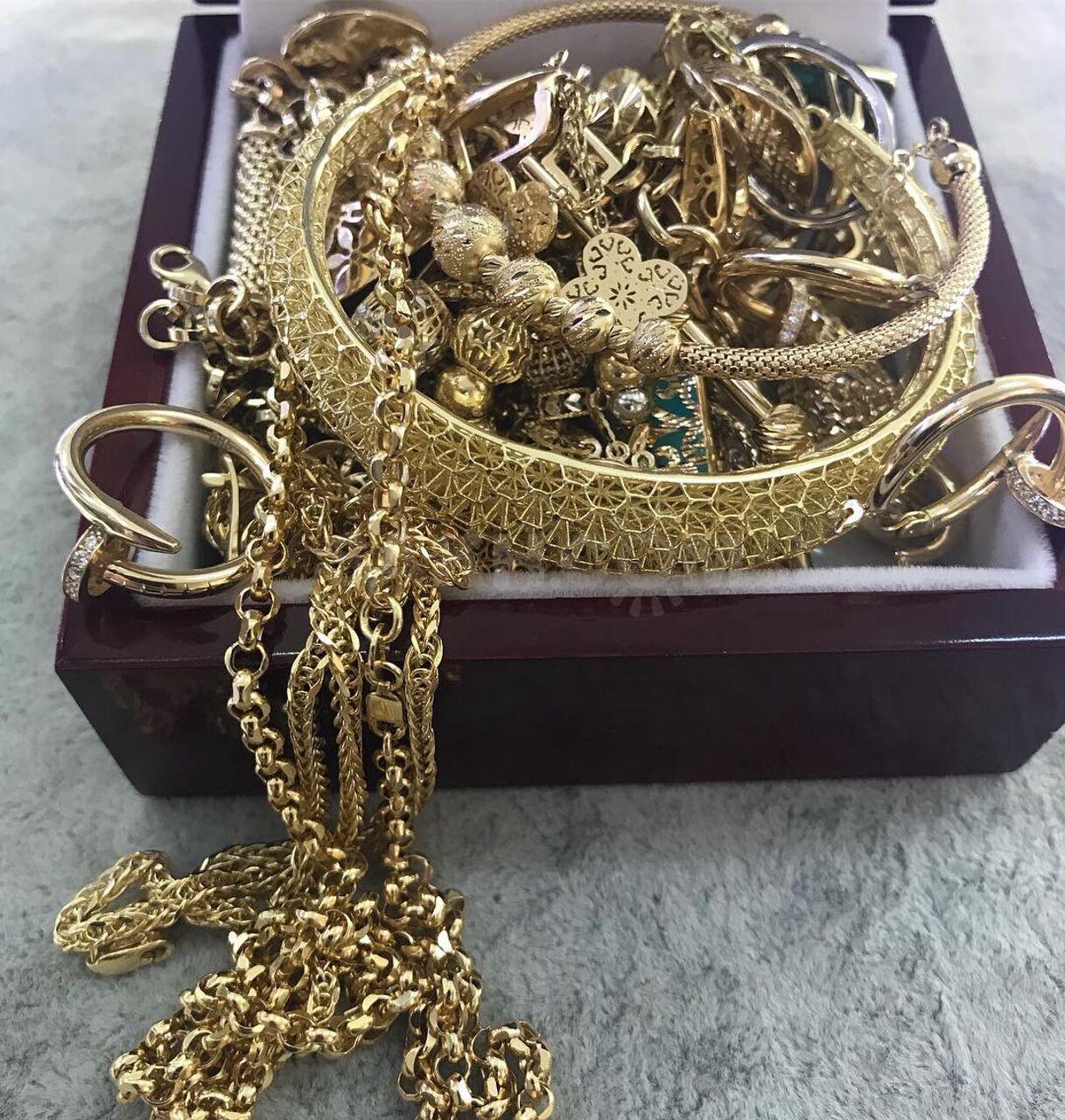 Лом Золото 585 пробы - 1600 руб. Подарки и сувениры. Ювелирные ... 78a5adfb0a4