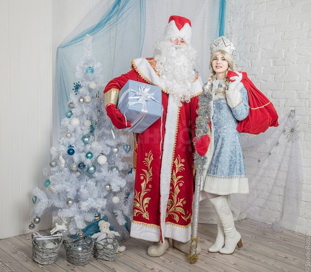 Картинки деда мороза и снегурочки на новый год, сыну днем