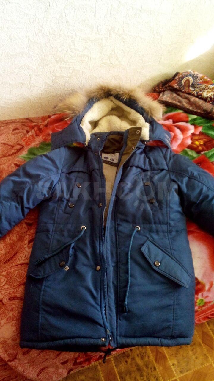 40de69125 Продам пуховик, зима, на мальчика 8-10 лет, в хорошем состоянии.торг  (Южно-Сахалинск)