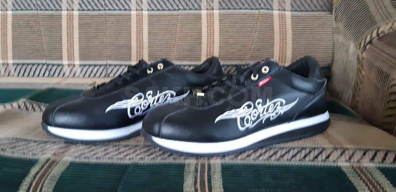 649436ea7 Продам новые кроссовки,не подошли по размеру,фирма NIKE,натуральная кожа