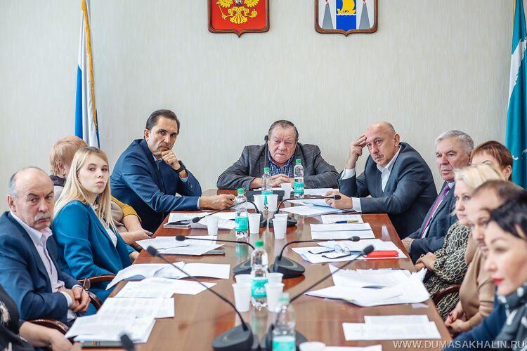 Фото пресс-центра облдумы