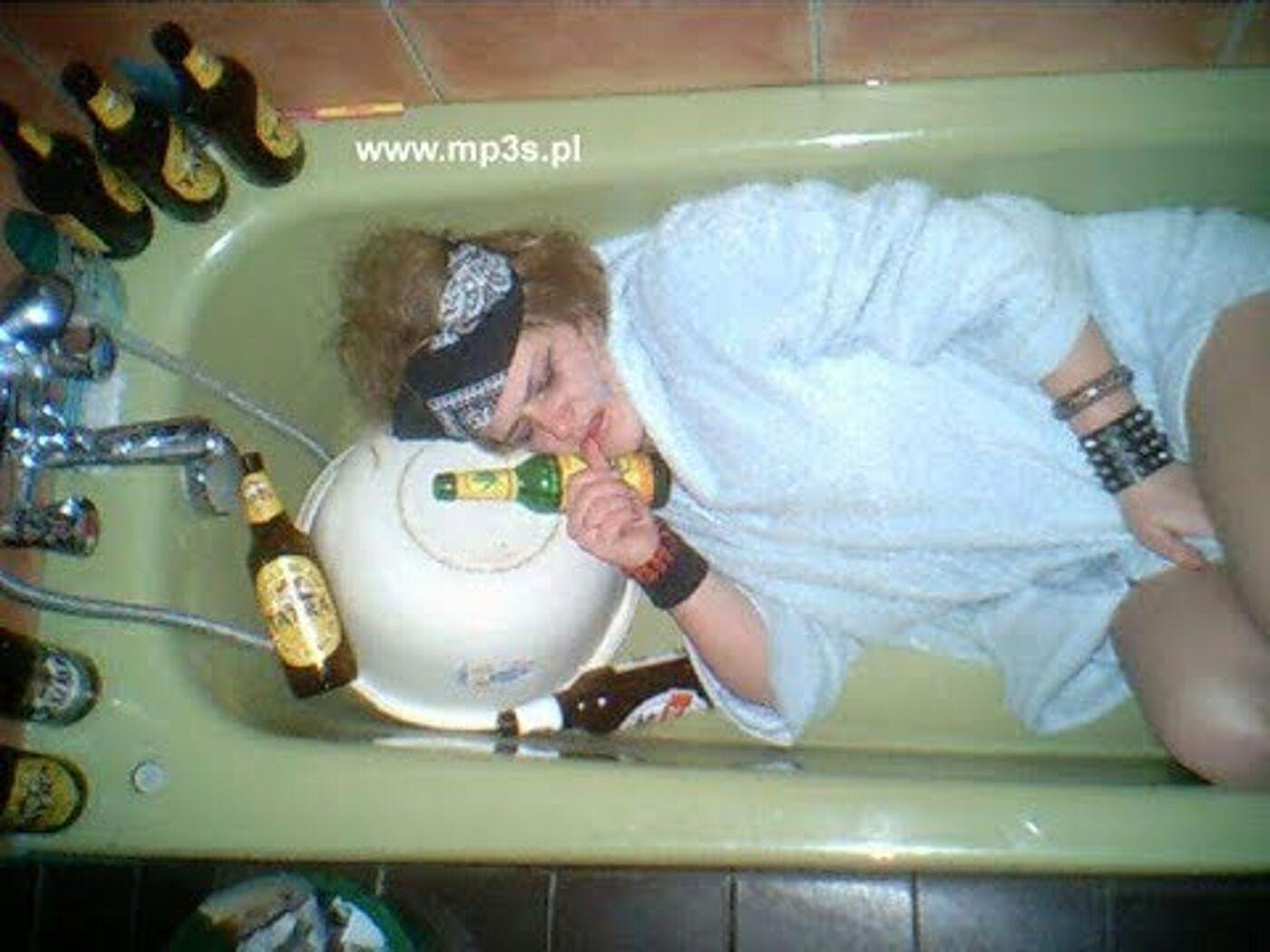 Днем рождения, картинка сушняк после алкоголя прикольные