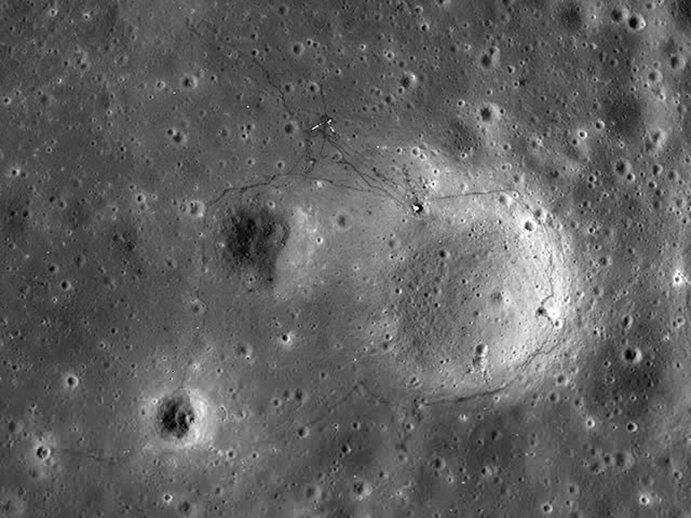 или фотографии следов американцев на луне одна