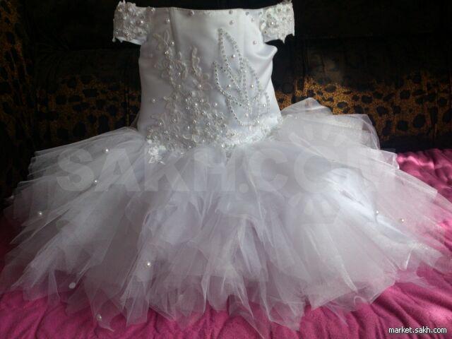e64afeac5e63f25 Очень красивое,пышное платье, на год-полтора. Эксклюзивный вариант.Пошилось  со свадебного платья. Корсет. Одевалось на два часа. В комплекте отдам  перчатки ...