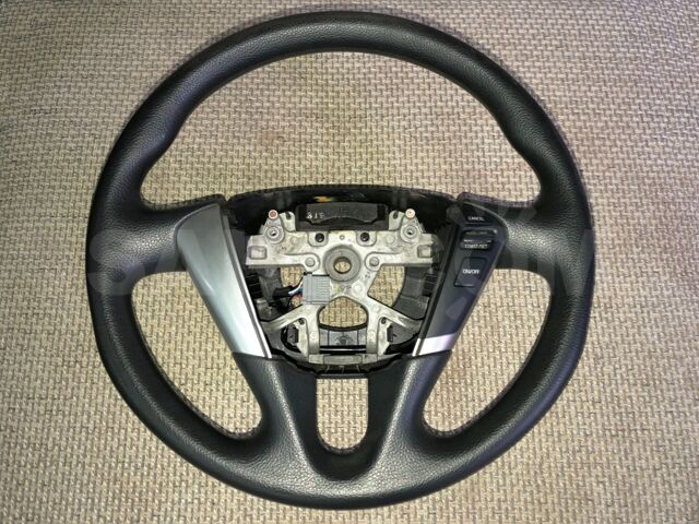 Рулевое колесо Nissan Murano