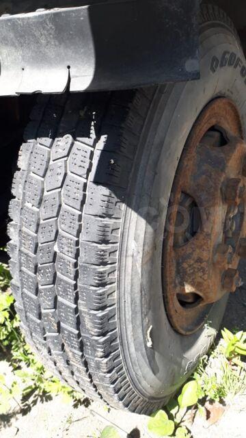 Продаю шины с дисками на Nissan