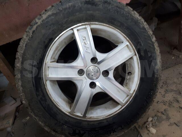 продам колеса на 185/70R14 в сборе с зимней шипованной резиной