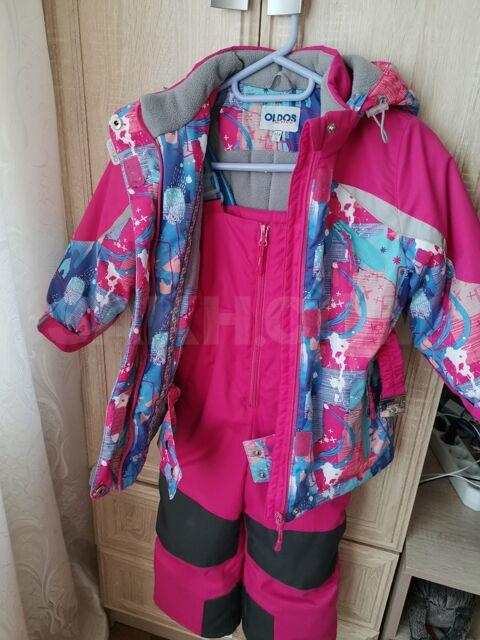 Зимний костюм на девочку - 2000 руб. Дети и материнство. Детская одежда. Верхняя одежда. Верхняя одежда в Невельске. Объявления Сахалина