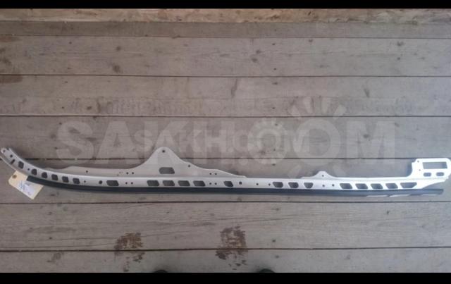 Направляющая со склизай.Brp ski-doo summit 800 x