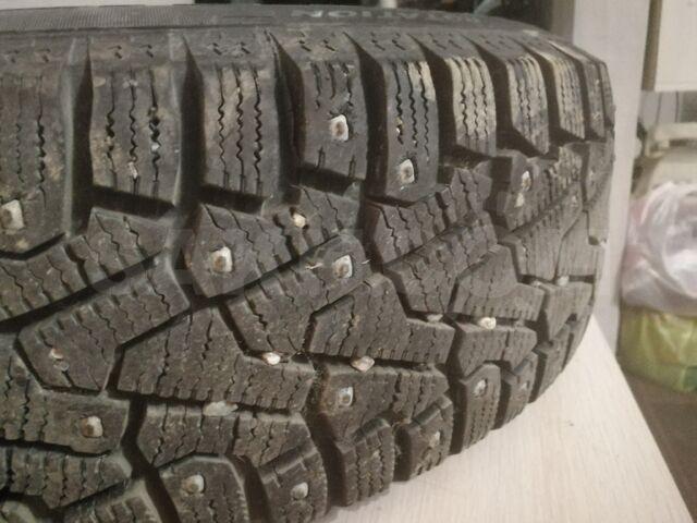 Колеса с шинами зима шипы и лето а так же запаска.