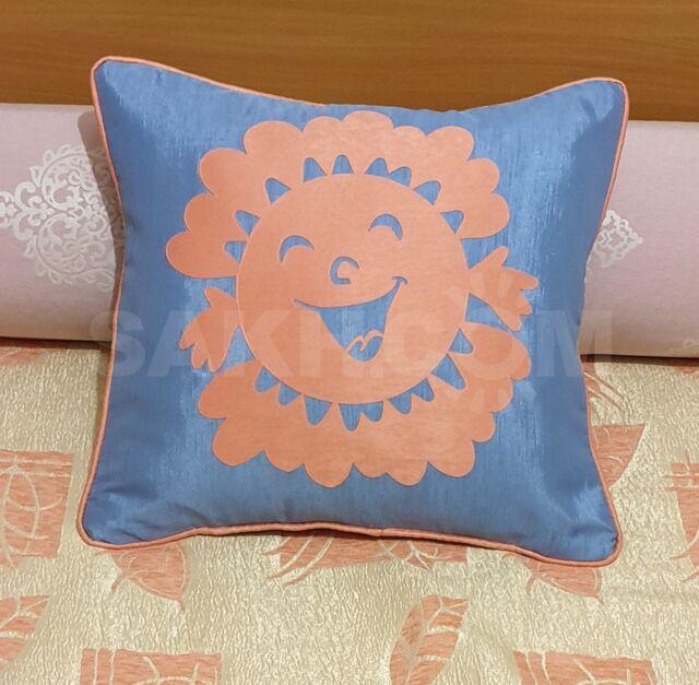 Наволочка декоративная голубая, Солнышко персиковое.