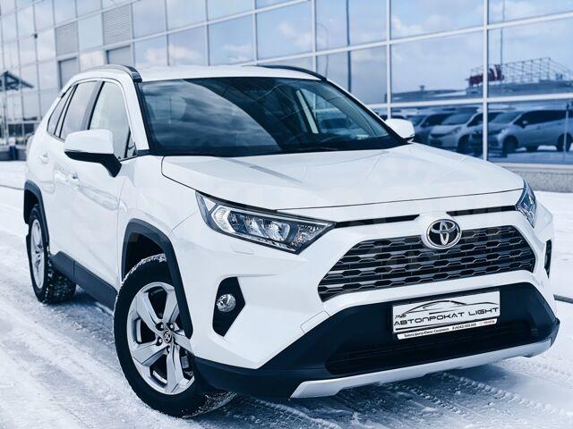 Аренда/прокат  автомобиля Toyota Rav4 2020 год в Южно-Сахалинске