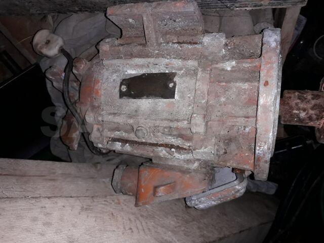 Электродвигатель 700 Вт 380 Вольт
