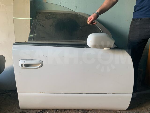 Дверь на Toyota crown majesta 140 кузов