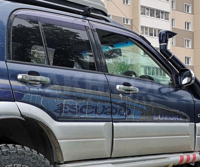 Продам двери на Suzuki Escudo 2001