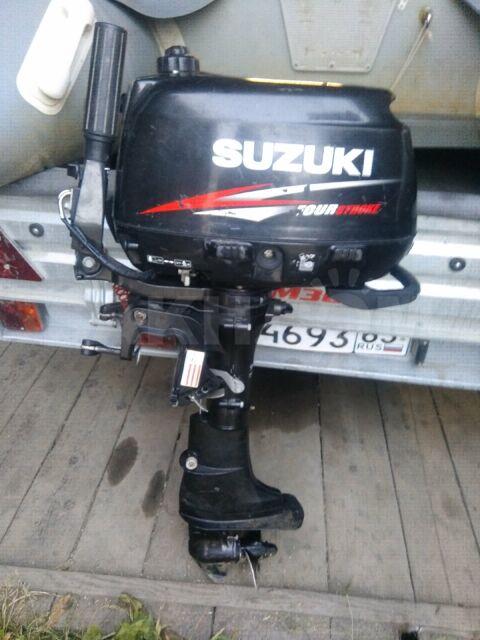 Лодочный мотор с. лодкой