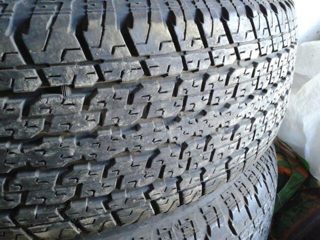 255/70 R15 Bridgestone.Цена резины комплектом 5 колёс. Остаток 60%