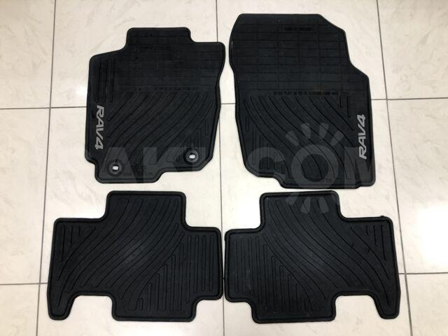 Резиновые коврики для Toyota RAV4