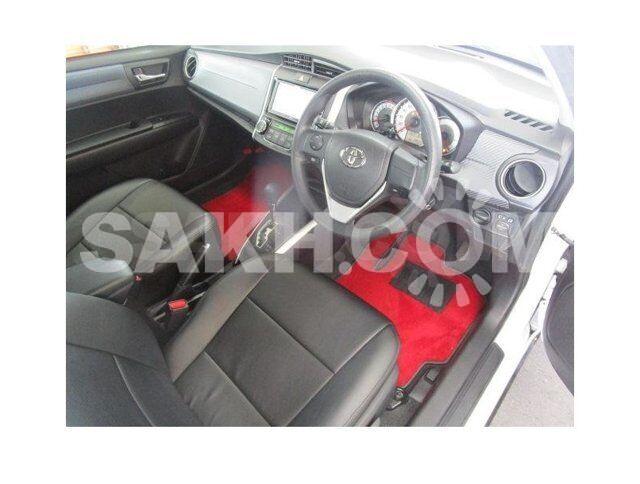 Модельные чехлы с перфорацией для Toyota Corolla Axio NZE164
