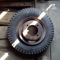грузовую резину с дисками R10