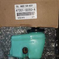 Главный тормозной цилиндр Toyota 47201-3D350  1 KZTE