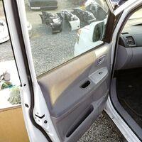 Продам дверь передняя левая и правая для toyota voxy 1az-fse azr65