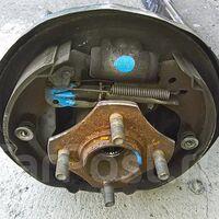 Задний  правый ( RR ), левый ( RL ) рабочий  тормозной  цилиндр.