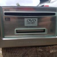 продам штатный DVD от Toyota Brevis