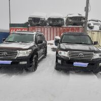 Аренда автомобиля Toyota Land Cruiser 200 с водителем.
