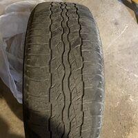 Продам резину 235-55-18 Bridgestone