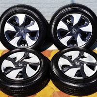 Комплект колес 185/60R15 Toyo Nanoenergy J63 2018 год выпуска!