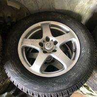215/65/R16 Большая пятёрка Продам диски и шины в сборе Yokohama как но