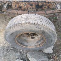 продам 2 колеса 6.50  на 16 с грузовика можно без дисков или на оборот