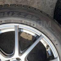 Шины Bridgestone DM-V2