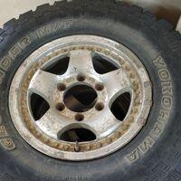 Грязевые шины с дисками Yokohama на Джип