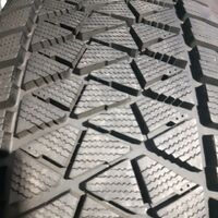 Шины 265/70/16 Bridgestone DM-V2, износ 3%. Без пробега по РФ