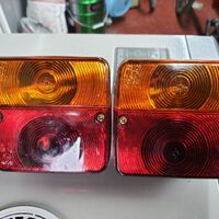пара задних фонарей