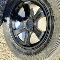 Обменяю колеса в сборе 265/65R17  на шины 275/60R20 или продам