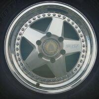 новое поступление дисков для  внедорожников r16 6-139.7 из Японии.