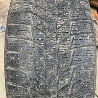 Продам комплект зимних шин