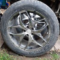 Продам колеса с шипованной резиной Nokian Hakkapeliitta 265/50/20
