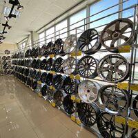 Автоцентр «Гигант» предлагает огромный выбор шин и дисков