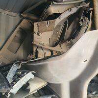 Обшивки багажника и стекла собачника Land Cruiser HDJ101/ UZJ100/1998г