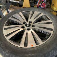 Продам комплект  оригинальных колёс с датчиками давления /55/R18