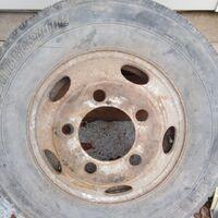 Грузовой диск и шины на Canter.