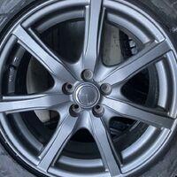 В сборе R17 215/55 Bridgestone GZ. Диски Новые.