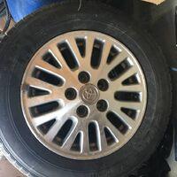 Продам оригинальные диски Toyota c резиной