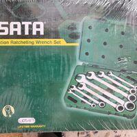 Набор ключей SATA